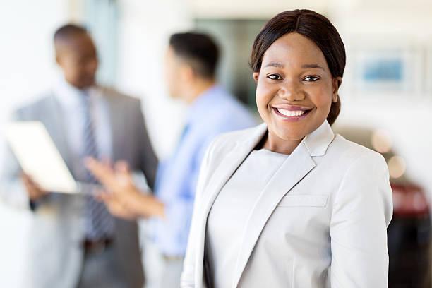 Entrepreneur en même temps salarié ? Voici vos chances de réussite